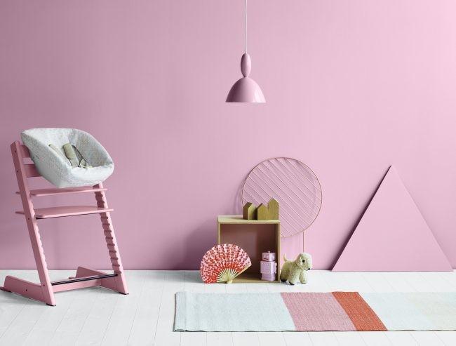 El tono rosa chicle está empezando a tomar las riendas por doquier. Aquí en la presentación de los nuevos modelos de tronas de la casa Stokke.